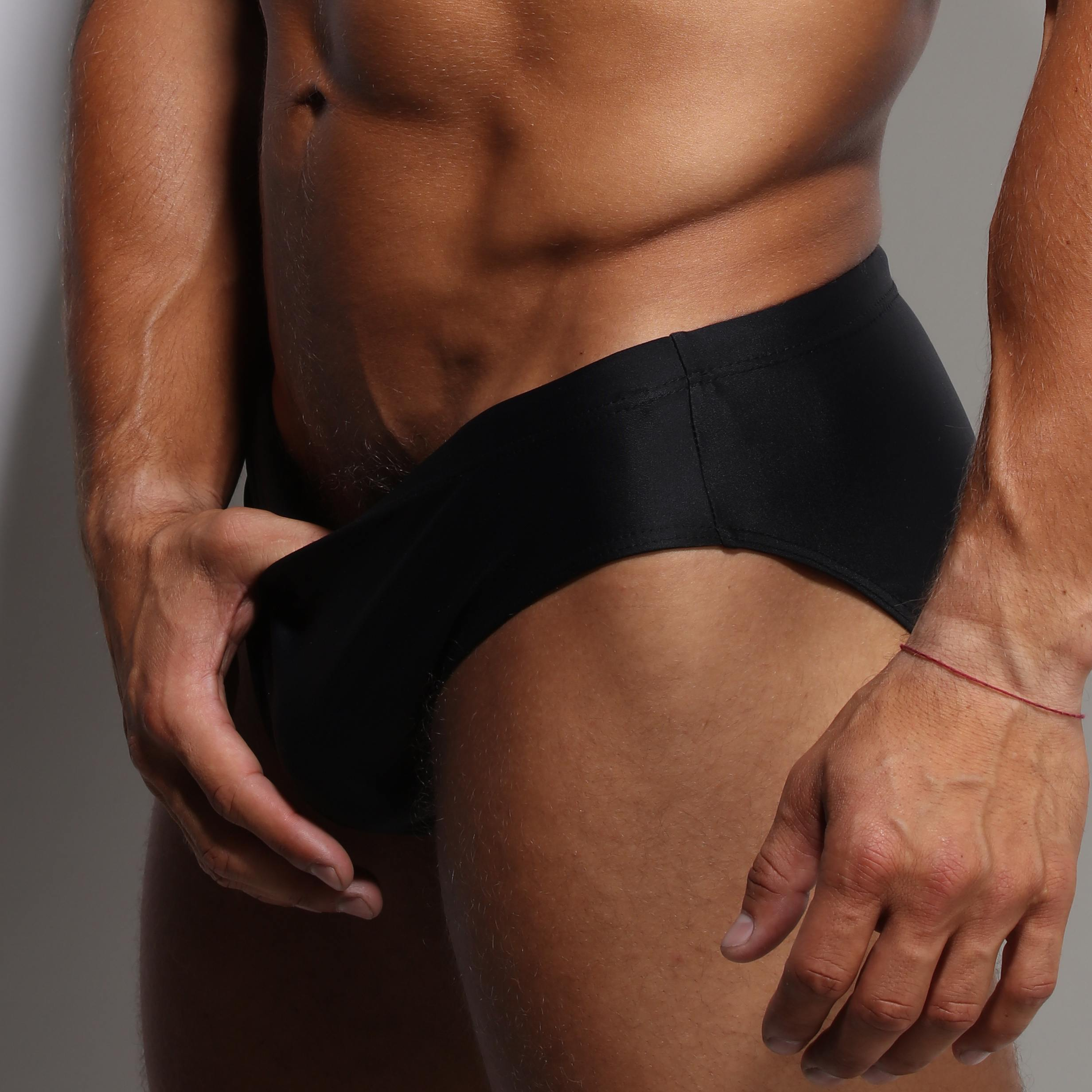 zlc-black-classic-swimwear-closeup-a