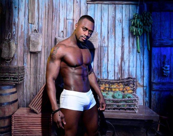 White Hotpants shorts gym outfit & beach by zlcopenhagen
