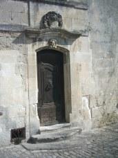 door-1233053-639x852