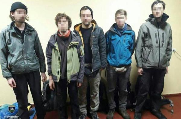 В чернобыльской зоне задержали три группы сталкеров