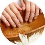 Причины и методы борьбы с расслаиванием ногтей на руках