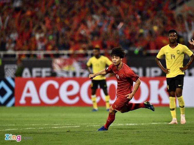 Viet Nam vs Malaysia (2-0): Van Duc kien tao, Anh Duc ghi ban hinh anh 10