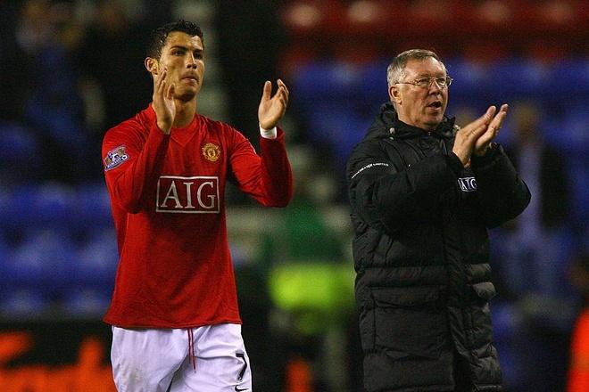 Cuộc gọi định mệnh của Sir Alex giữ Ronaldo ở lại MU - Bóng đá Anh