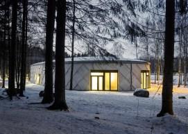 kotten-tengbom-trail-centre-sweden-wood-_dezeen_1568_1
