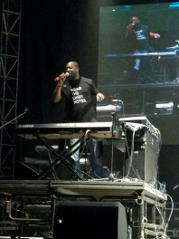 Glasper rockin' his Liner Notes tee on stage in Atlanta