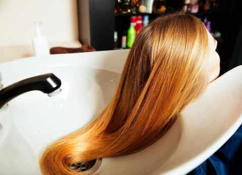 How To Restore A Synthetic Wig: Straightening Tips And Tricks For Your Old Wig 4
