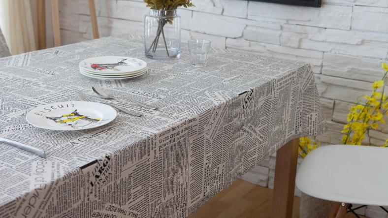 Table cloth and decorative accessories