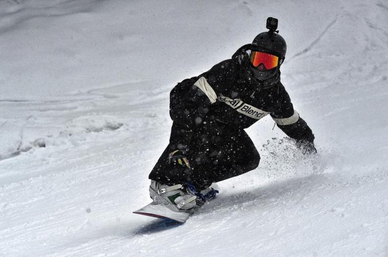 Want to Try Snowboarding? Here are the Things to Prepare 3
