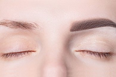 Is It Possible to Microblade Your Eyebrows From Home