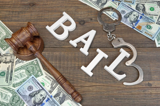 What to Look For When Hiring a Defense Attorney