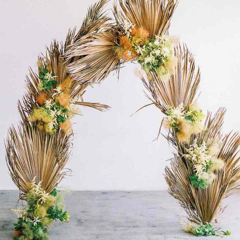 Ridiculously Stunning Ways to Utilize Dried Palm Leaves at Your Wedding 1