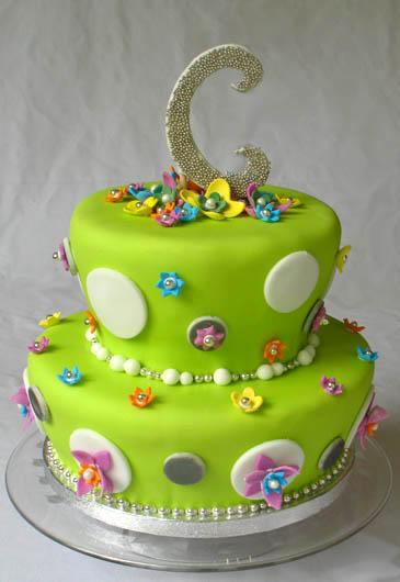 Cake Decorated With Fondant   ZoëBakes   Photo by Zoë François