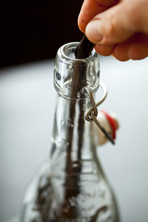 How to Make Homemade Vanilla Extract | Photo by Zoë François