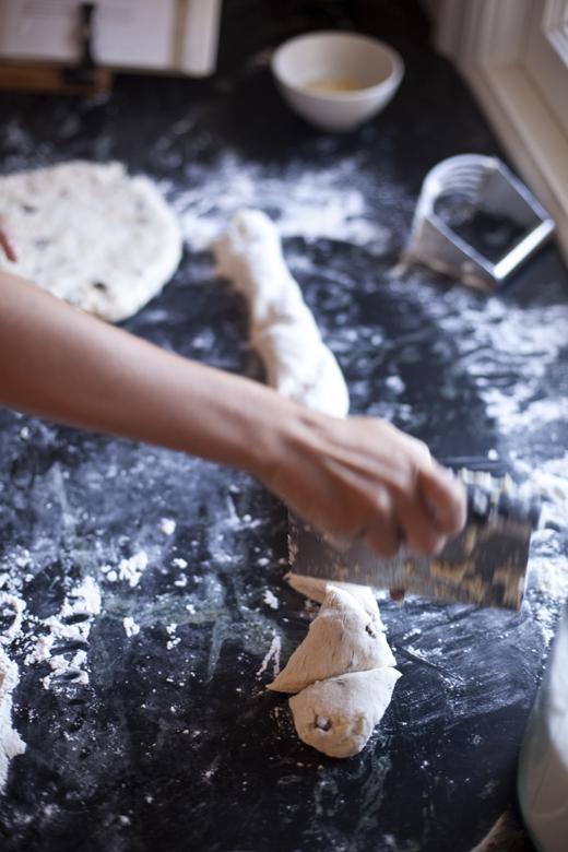 Cutting Scones   ZoëBakes   Photo by Zoë François