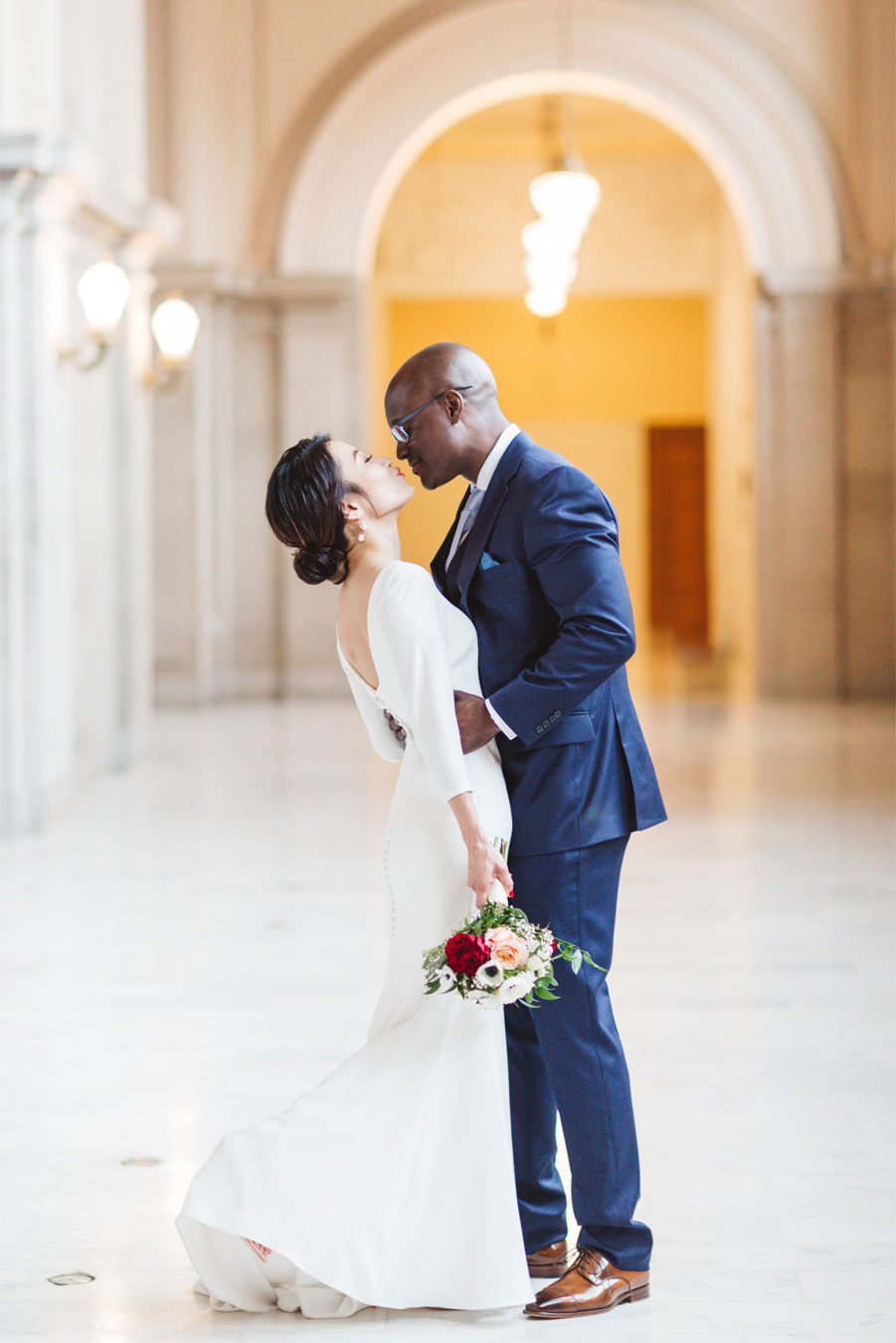 creative modern san francisco city hall wedding photography for hip couples