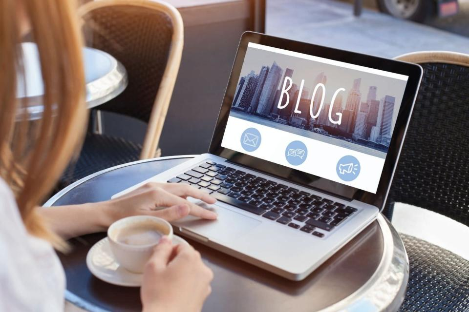 blogging for your photography business has many surprising benefits, beyond what most photographers will talk about. It is actually the best form of free marketing that will continue to give you an increasing ROI as time goes on.