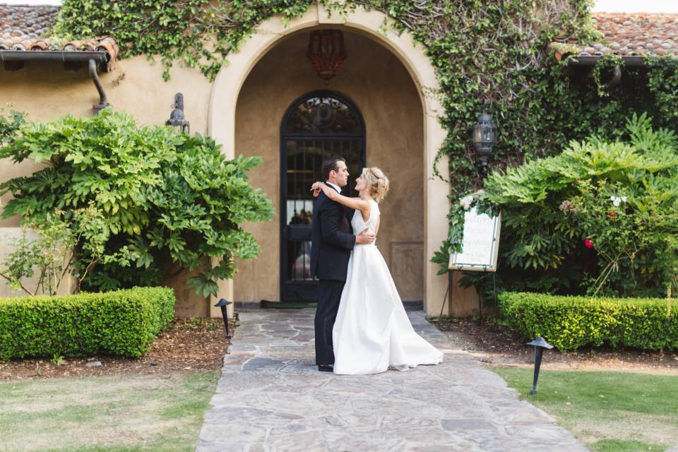 photographers work hard at your wedding, so make sure you write them a review so future customers  learn how great they are!