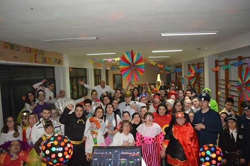 134bff0637a47 El Club de Encuentro de la Fundación AVIVA – ZOES Barrio del Oeste
