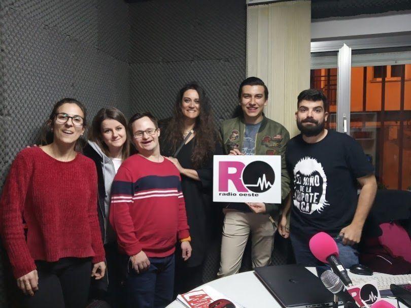 De izquierda a derecha, Beatriz, Susana, Pablete, Arancha, Pedrín y Kike.