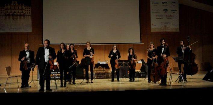 La Orquesta Tarantela actuando en el Palacio de Congresos de Salamanca, 2014