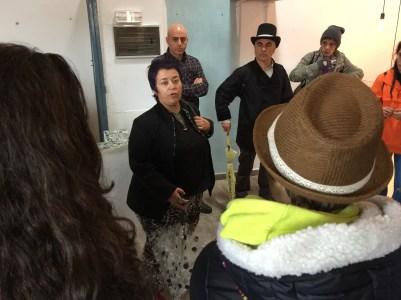 Inma Cid cuenta la historia del Barrio a los alumnos
