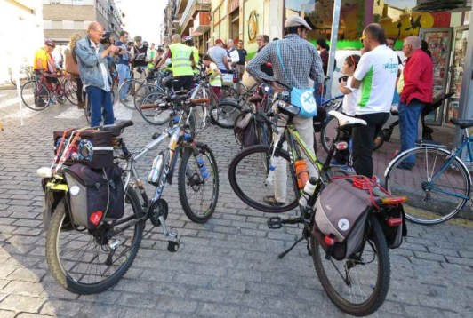Ciclistas en el Barrio el Día Sin Coches