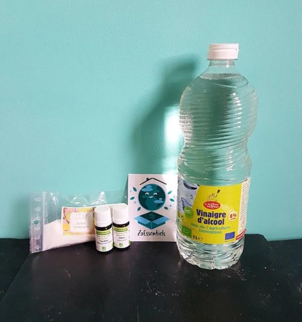 box nettoyant vitres et WC avec huiles essentielles 1.3kg