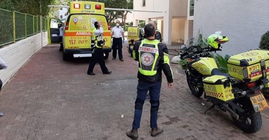 מת פועל כבן 60 שנפל מגובה במהלך עבודתו ברח' שאול אביגור בתל אביב