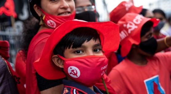 הקומוניסטים זכו ברוב גדול בבחירות שנערכו לפני שבועיים במדינת קרלה שבדרום הודו