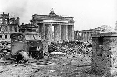 בבוקר ה-2 במאי 1945: הצבא האדום משחרר את העיר ברלין מאחיזה נאצית