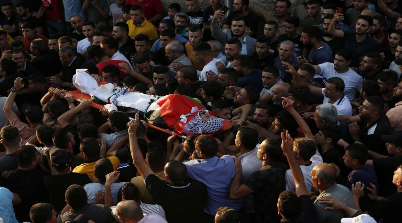 אב לחמישה: פלסטיני שישי נהרג מירי חיילי הכיבוש בקרבת המאחז אביתר