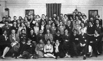 ב-5 בספטמבר 1915 נפתח קונגרס צימרוואלד בשוויץ בו השתתפו כל מפלגות הפועלים המתנגדות למלחמה הגדולה