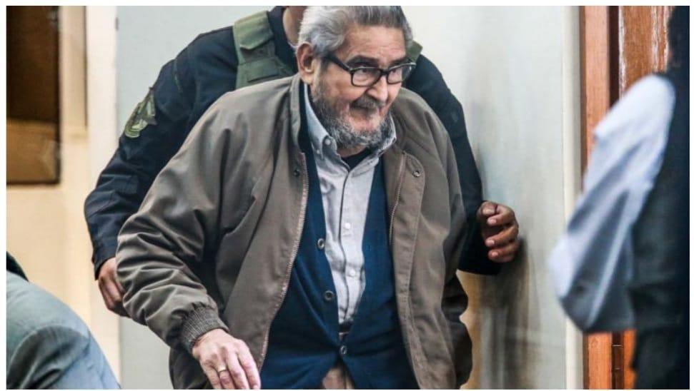 """אבימאל גוזמן ; היו""""ר לשעבר של המפלגה הקומוניסטית הפרואנית – הנתיב הזוהר ; מת בן 86 בבית הכלא קאיו"""