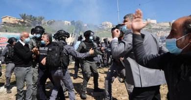 שביתה כללית והפגנה מול תחנת המשטרה באום אל פחם בעקבות שלושה מקרי רצח בעיר