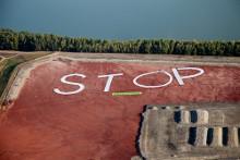 Tiltakozás a veszélyes vörösiszap-tározók ellen