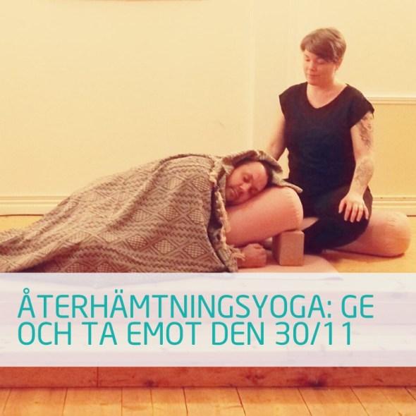 Yogastund i Zoloz yogastudio Skellefteå med charlotte . Restorative yoga och vakande vila.