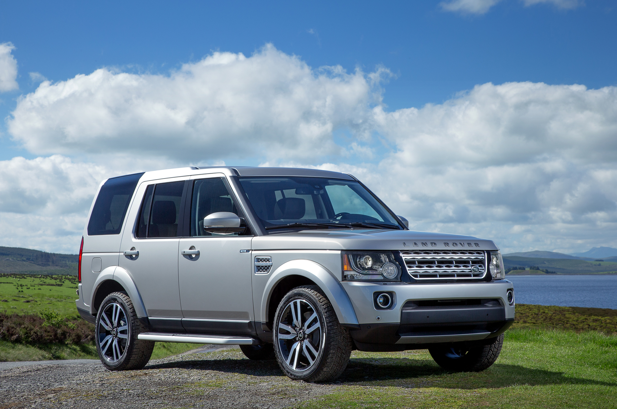 VWVortex 2017 Land Rover Discovery 5 spied testing for the