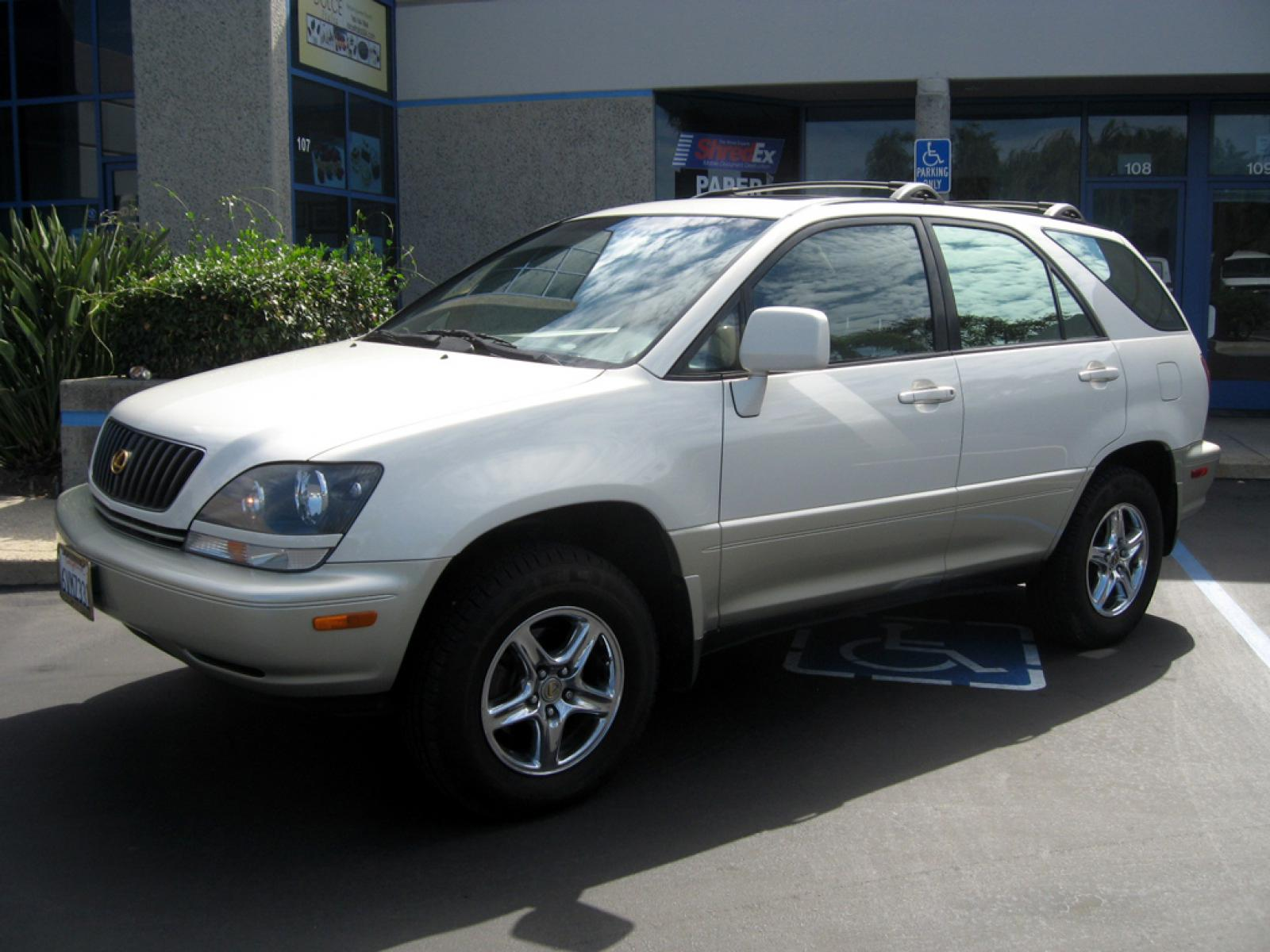 2000 Lexus RX 300 Information and photos ZombieDrive