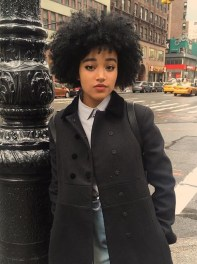 Amandla-Stenberg-served-fierce-face-with-gorgeous-curls-while-in-NYC.-900x1200