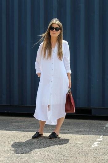 4967018_outfit-oversized-white-shirt-dress