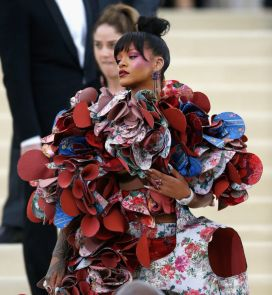 "NEW YORK, NY - MAY 01: Rihanna attends ""Rei Kawakubo/Comme des Garcons: Art Of The In-Between"" Costume Institute Gala at The Metropolitan Museum of Art on May 1, 2017 in New York City. (Photo by John Lamparski/Getty Images)"