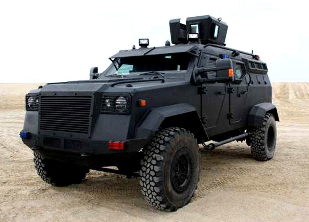 Armored-personnel-Carrier-10