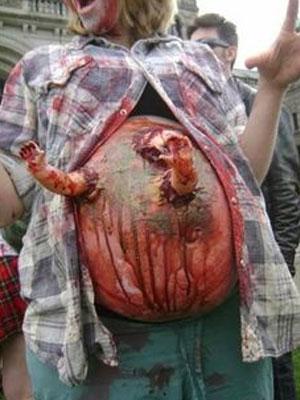 Pregnant-Zombie-9