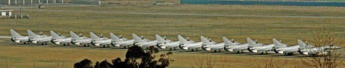 J-10 PLAF alineados