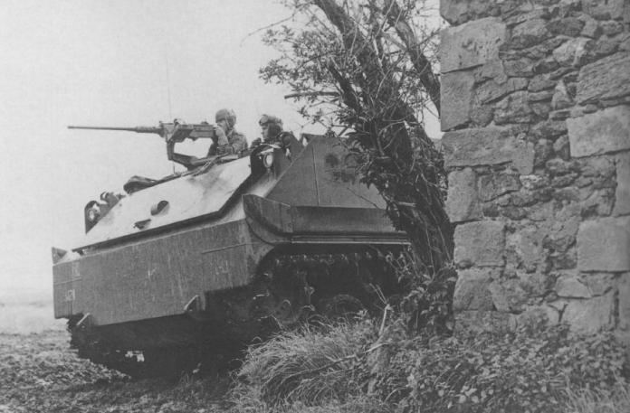 M-59 asignado al 12th Infantry Batallion realiza maniobras de aproximación en el campo de maniobras de Baumholder, Alemania, llevadas a cabo en julio de 1956. Imagen: US Army.