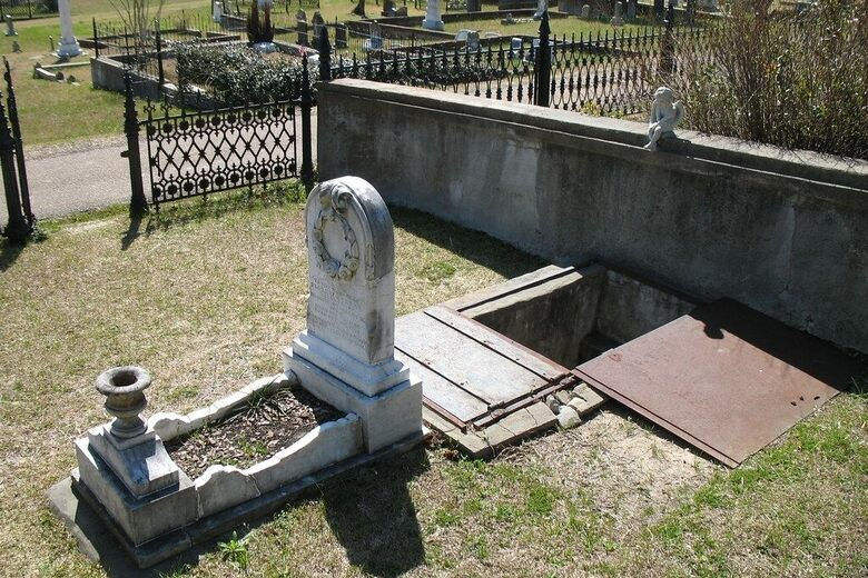 Florence Irene Ford: priča iza bizarne grobnice u Mississippiju