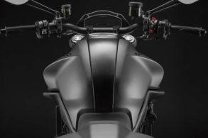 Ducati Monster 2021 18