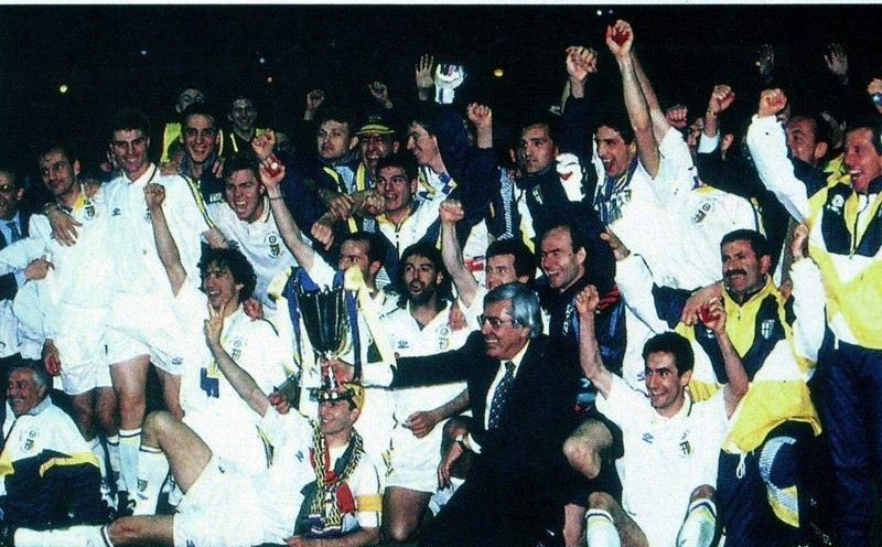 Il Parma con la Coppa Coppe del 1993