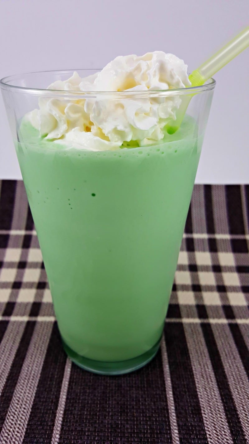 Shamrock Shake Copycat for two - zonacooks