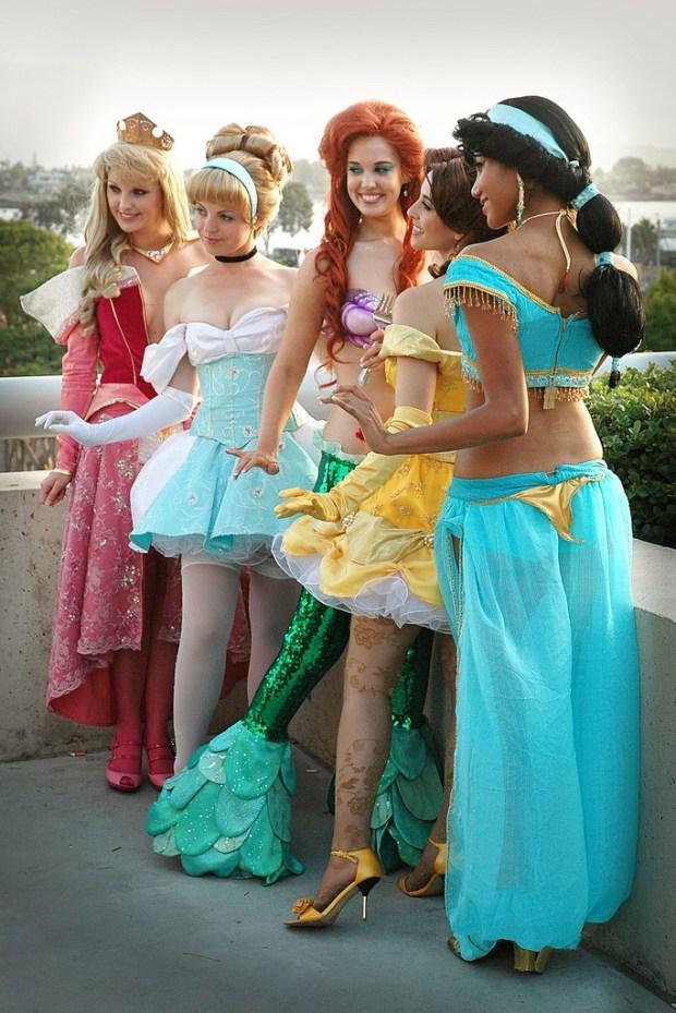 disney-princess-sexy-cosplay-outdoor-voyeur-thong-see-thru-pantyhose-geek_tits-shelf_porn